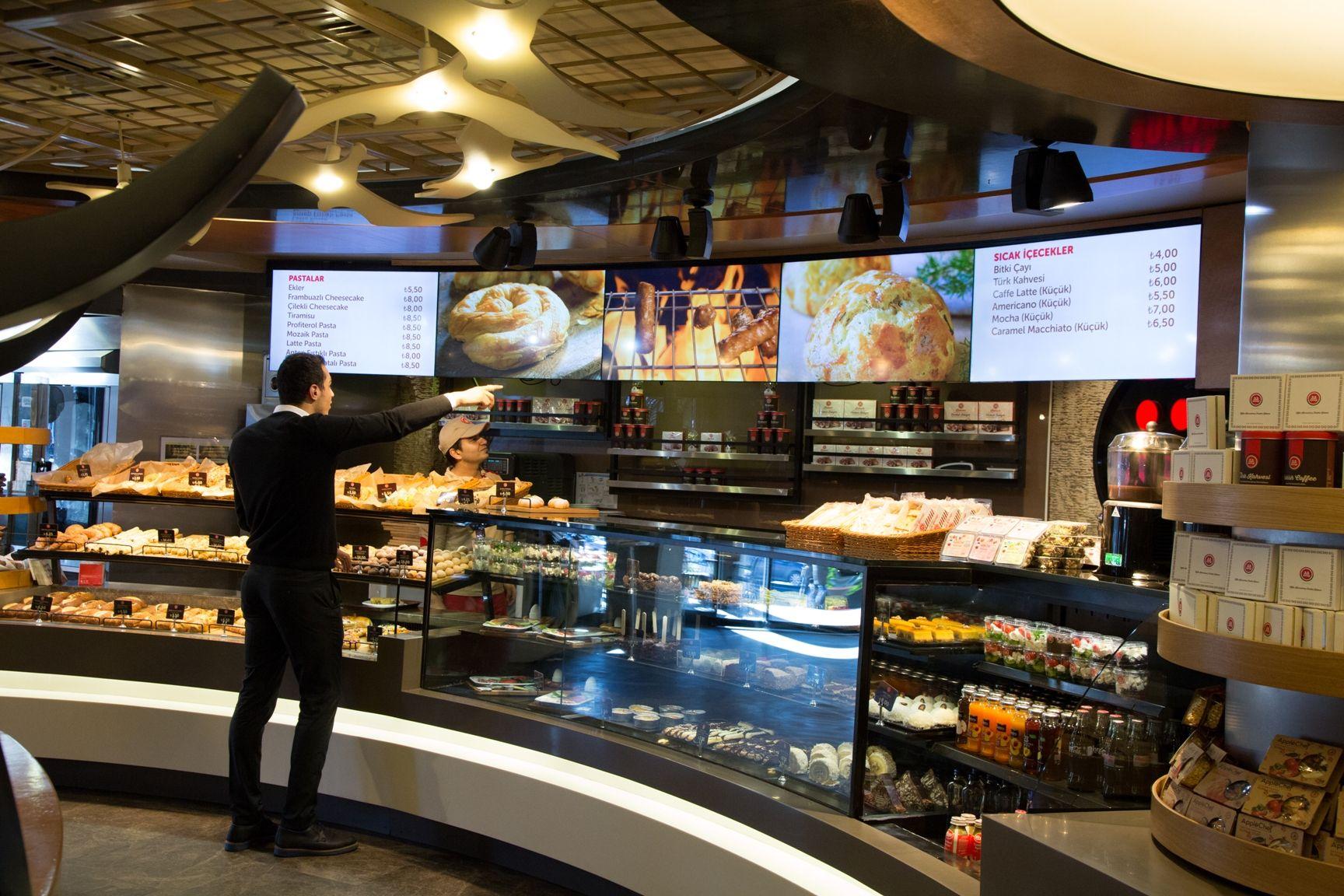Restoranlarda dijital mönü board devri