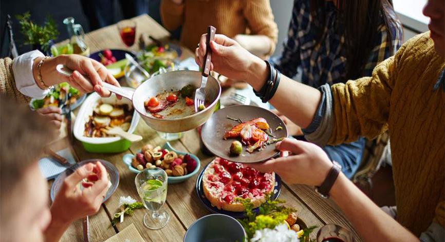 Yemek yemeye günde ortalama 1 saat 58 dakika ayırıyoruz