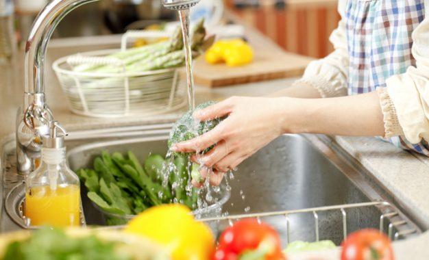 Yaz aylarında besin zehirlenmelerine dikkat