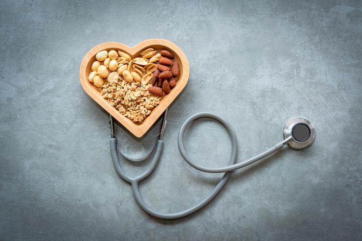 Kalp sağlığınız için öğünlerinizde yağlı tohumlara yer açın