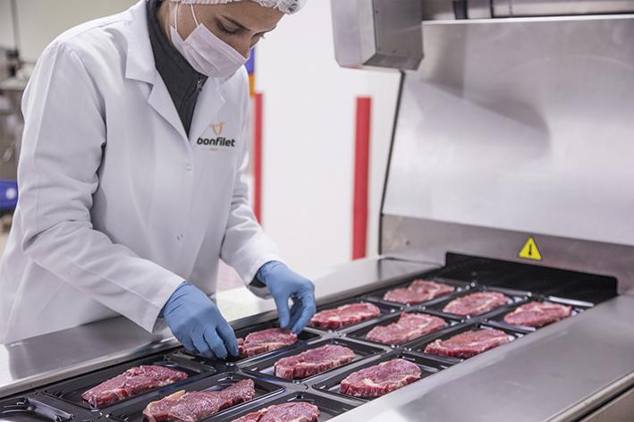 Bonfilet kadın çalışan sayısı ile kırmızı et sektörüne öncülük ediyor