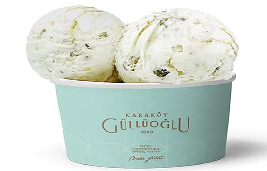 Karaköy Güllüoğlu ve Girandola Gelato'dan baklavalı dondurma
